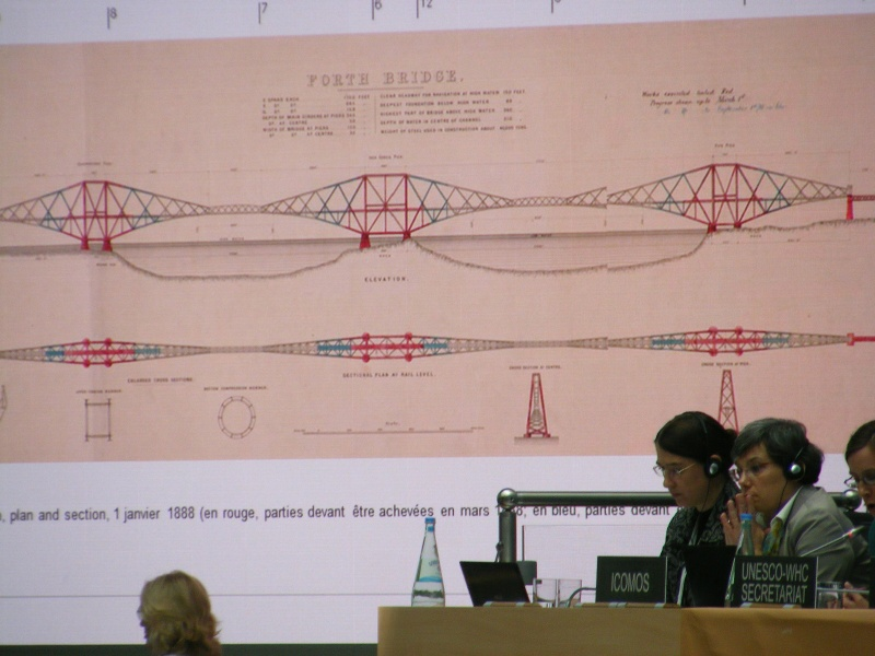 Icomos presents Forth Bridge at Bonn 2015 mw (2)